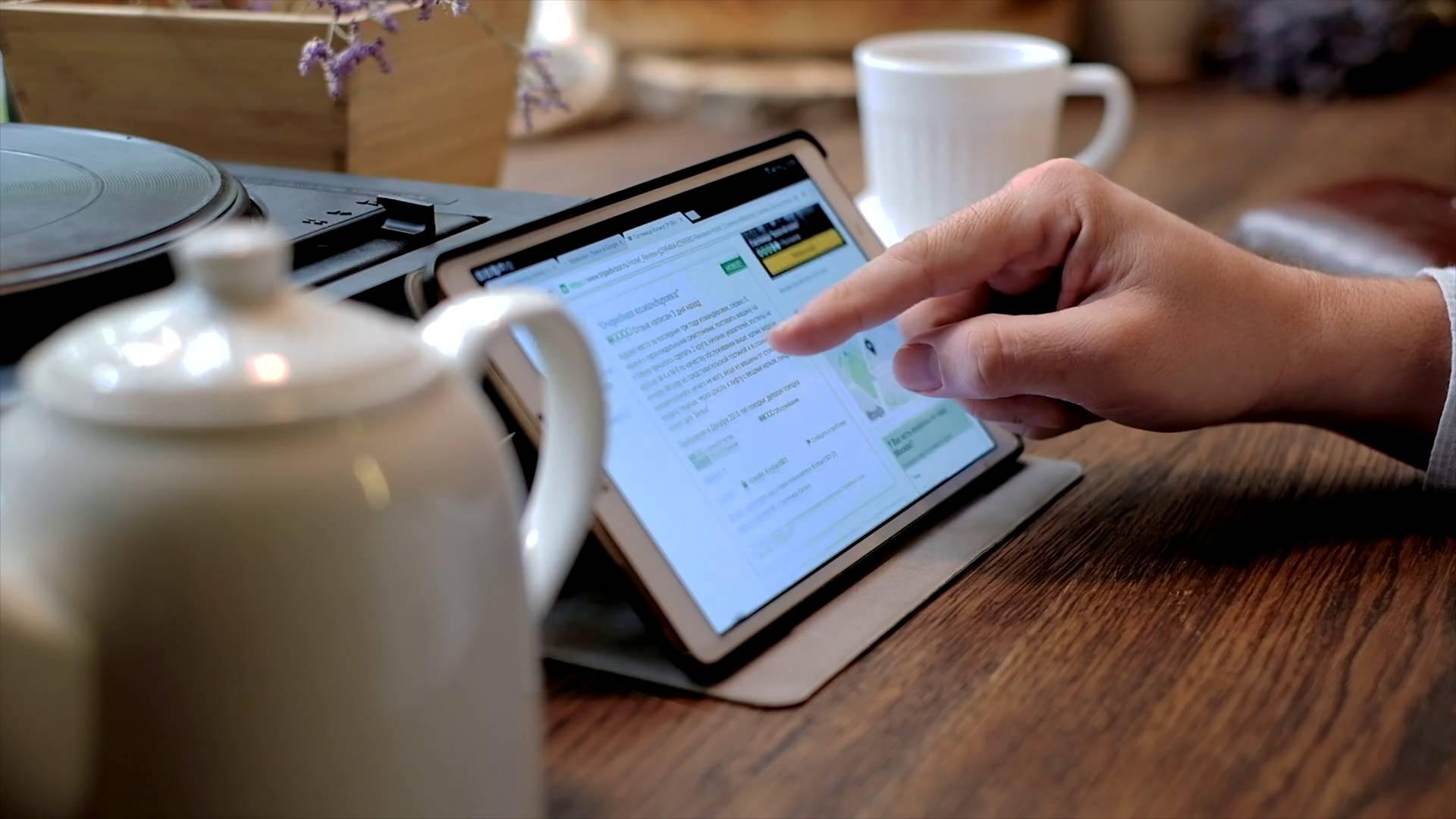 Mobili per ufficio scrivanie e tavoli riunione - Scrivanie usate per ufficio ...